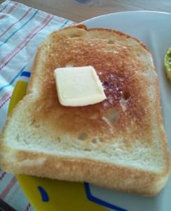 金の食パン2